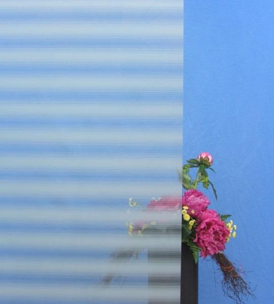 Dekorfolie, horizontale unterschiedlich breite weiße Streifen