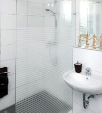 Adhäsionsfolie, horizontal transparent-weiße Streifen, 15 mm (geprägt)