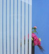 Dekorfolie, vertikale transparent-weiße Streifen, Breite 35 mm
