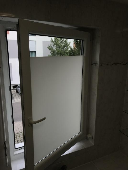Blickdichte Fensterfolie Fur Den Sichtschutz Im Bad Velken