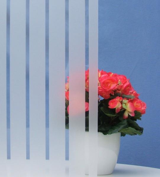 Dekorfolie, vertikale transparent-weiße Streifen, Breite 45 mm